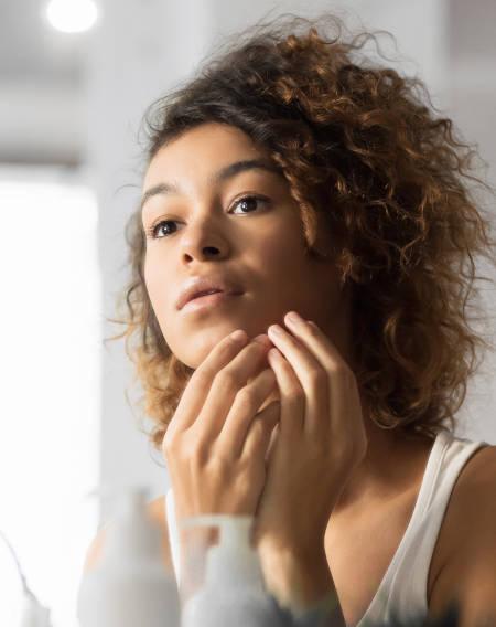 Akne - Dr. Braun de Praun Behandlungen