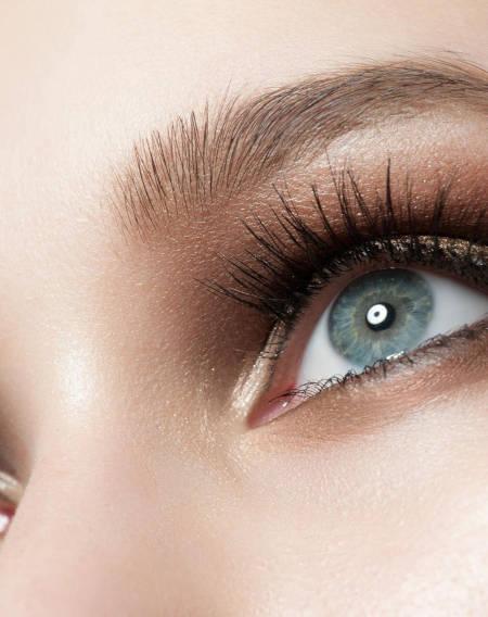 Strahlende Augen - Dr. Braun de Praun Behandlungen